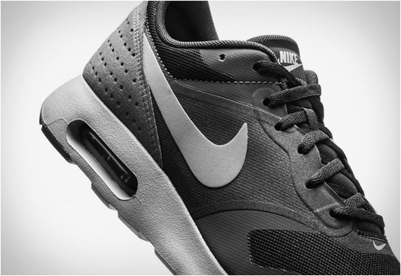 Zapatillas Nike AirMax Tavas Black