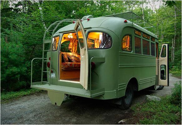Short Bus Retro